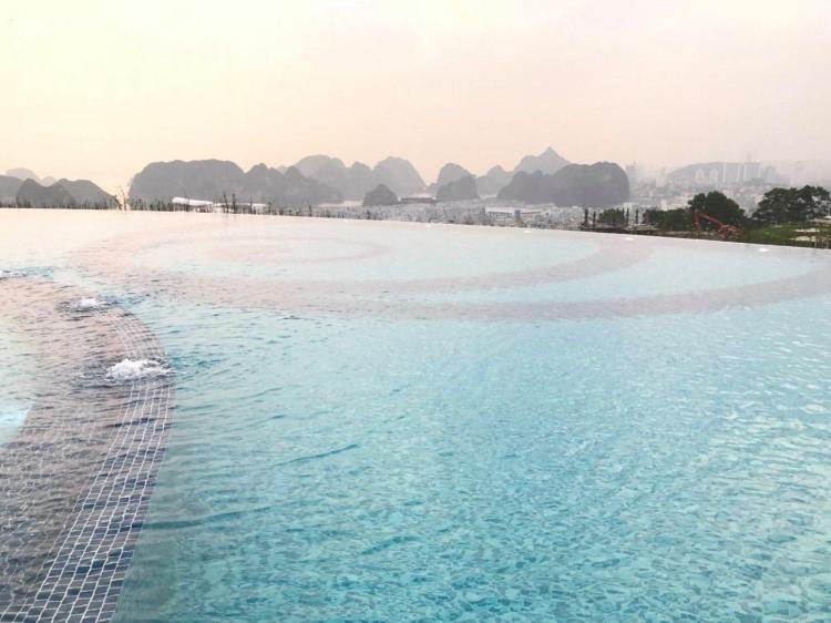 Lucky homestay Ha Long Quang Ninh Vietnam