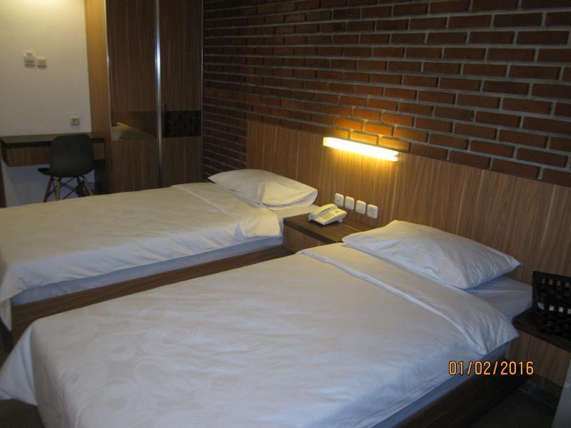 Maxley Hotel Arjuna Jakarta Harga Review Cregasia