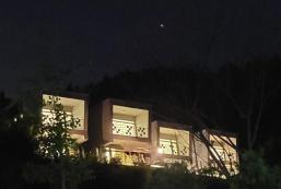1056平方米2臥室獨立屋 (西面) - 有2間私人浴室 Hong cheon 청담힐하우스(애견동반가능펜션/32평 복층카라반)