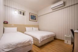 Standard Triple Room (No Window) 101 Stay Standard Triple Room (No Window) 101 Stay