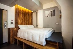 Taichung Fengjia walk inn-Design style double room Taichung Fengjia walk inn-Design style double room
