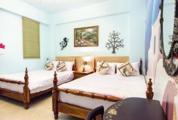 Near Hualien Train Station - Quad Room with balcony agoda Near Hualien Train Station - Quad Room with balcony agoda