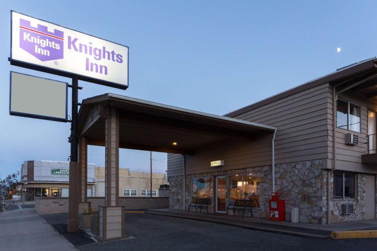 Knights Inn - Baker City OR