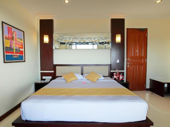 Blue Point Bay Villas & Spa Hotel