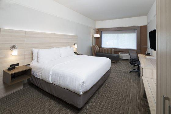 Holiday Inn Express And Suites Auburn