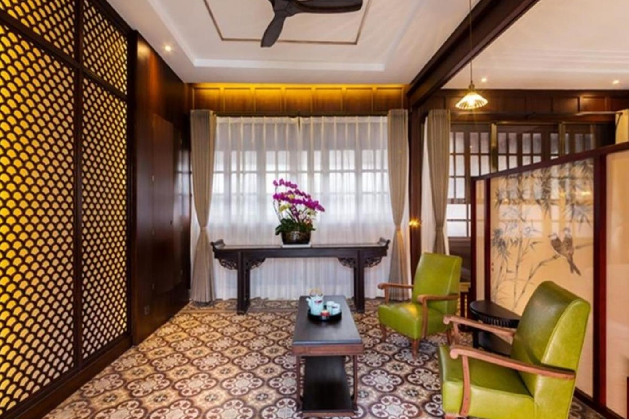 The Silver Chest Boutique Hotel In China