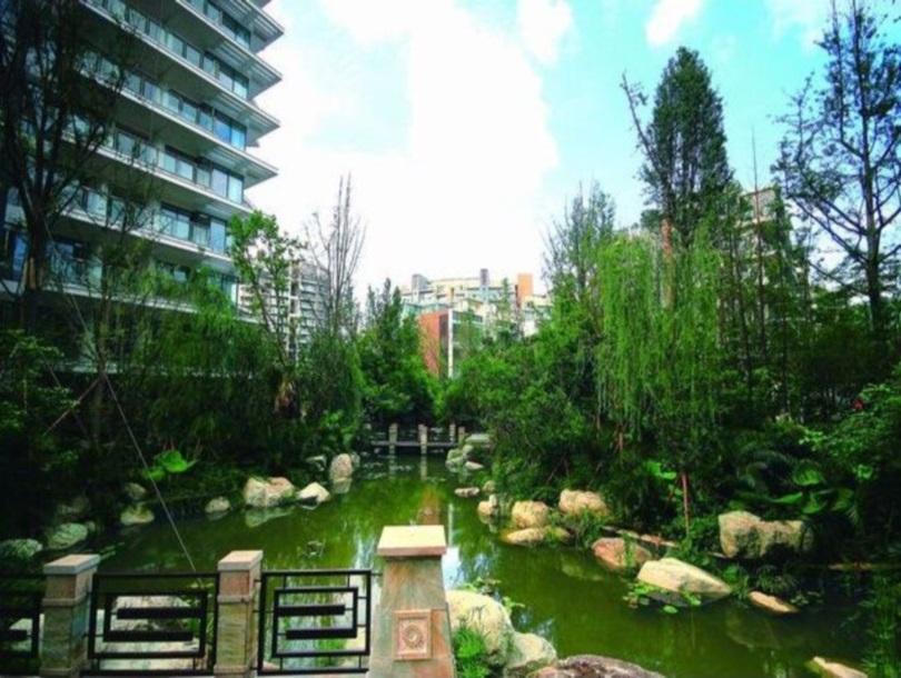 Chengdu Crystal Mingshige Apartment In China