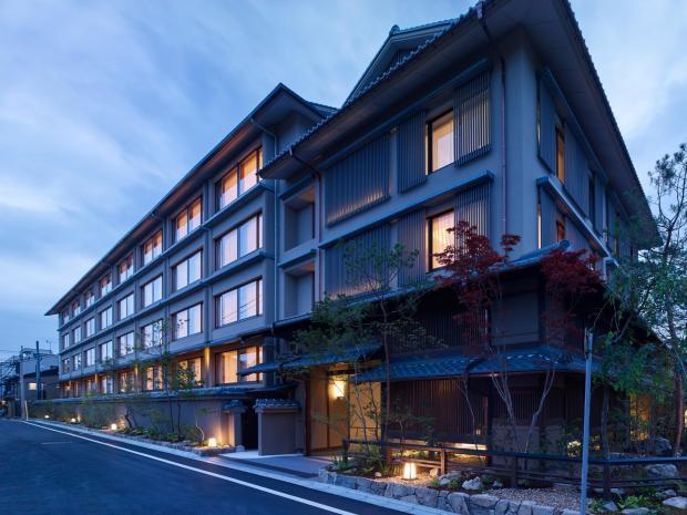 京都小白花水邊飯店,離湖美景強力推薦 @愛吃鬼芸芸