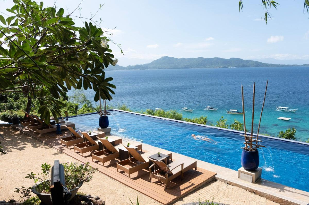 Best Resorts in Batangas: Vivere Azure Resort