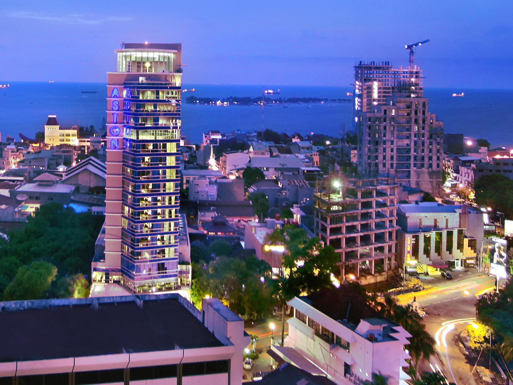 Aston Makassar Hotel & Convention Center In