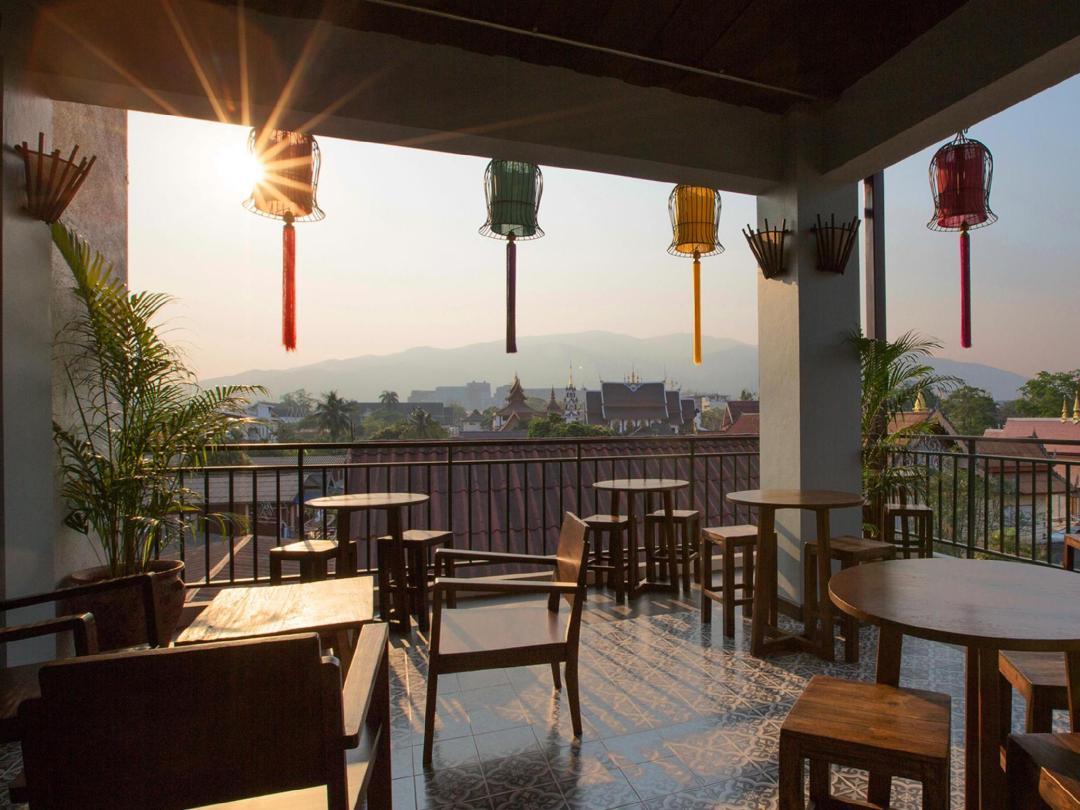 patio at green tiger accommodation