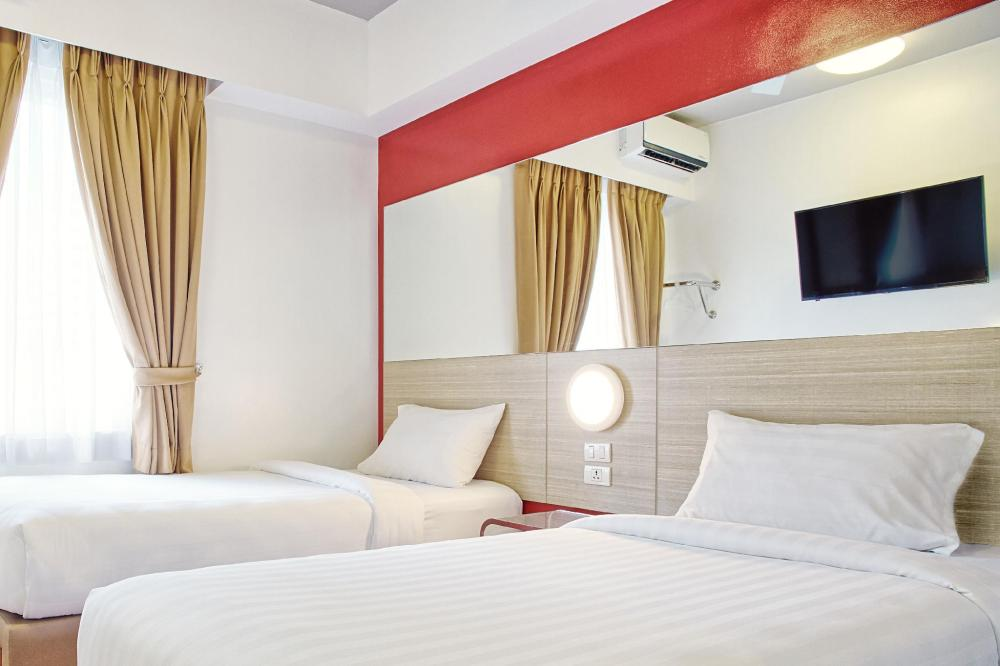 HOTELS NEAR MANILA AIRPORT