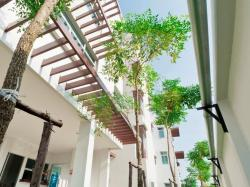 The Meet Green Apartment