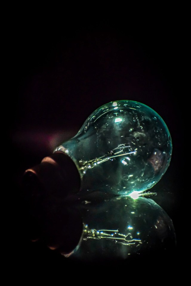 light bulb reflection