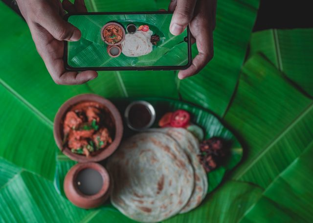 Capturing image of food