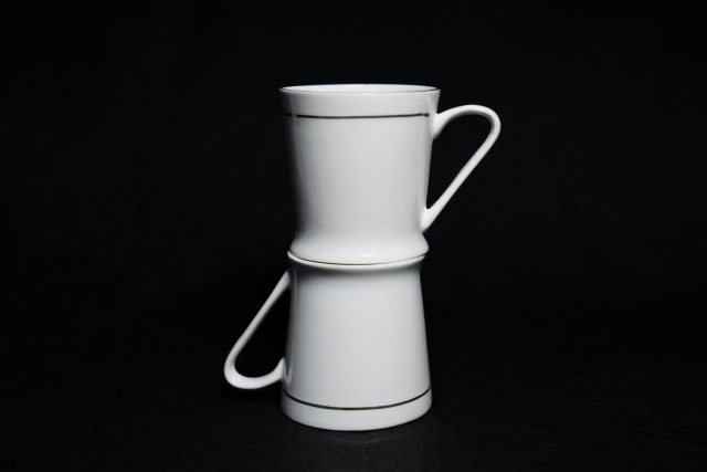 White cups on each other