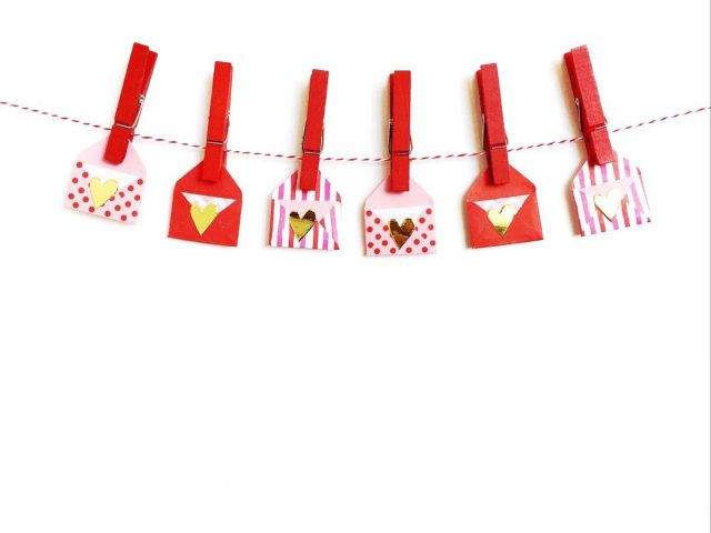 Envelopes attached with cloth clips