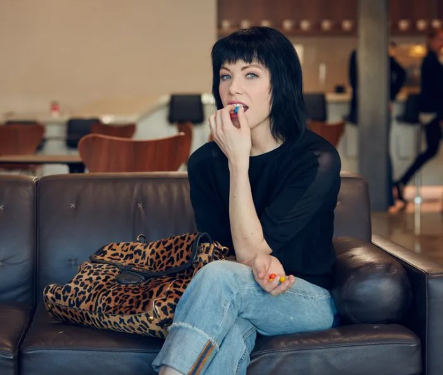Carly Rae Jepsen Fights Her Hangover With Perfect Greasy Breakfast And Pork Ramen