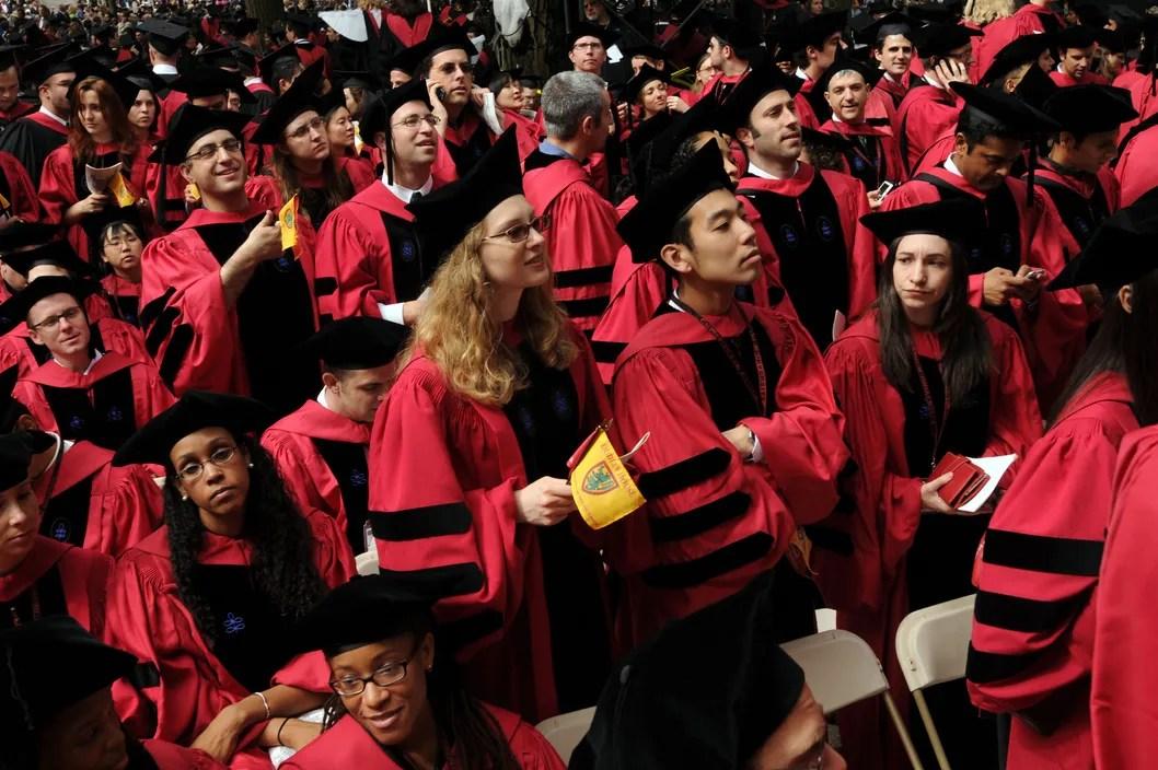 https://i0.wp.com/pixel.nymag.com/imgs/daily/intelligencer/2013/05/29/29-harvard-graduation.w529.h352.2x.jpg