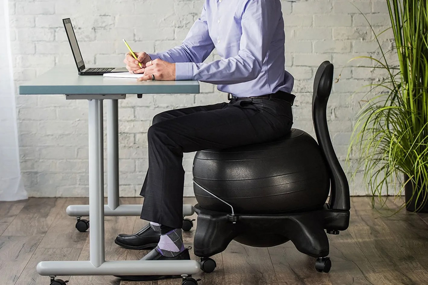 Yoga Ball Desk Chair Best Laptop Stands Ergonomic Desk Setups From Chiropractors