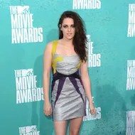 UNIVERSAL CITY, CA - JUNE 03:  Actress Kristen Stewart arrives at the 2012 MTV Movie Awards held at Gibson Amphitheatre on June 3, 2012 in Universal City, California.  (Photo by Jason Merritt/Getty Images)