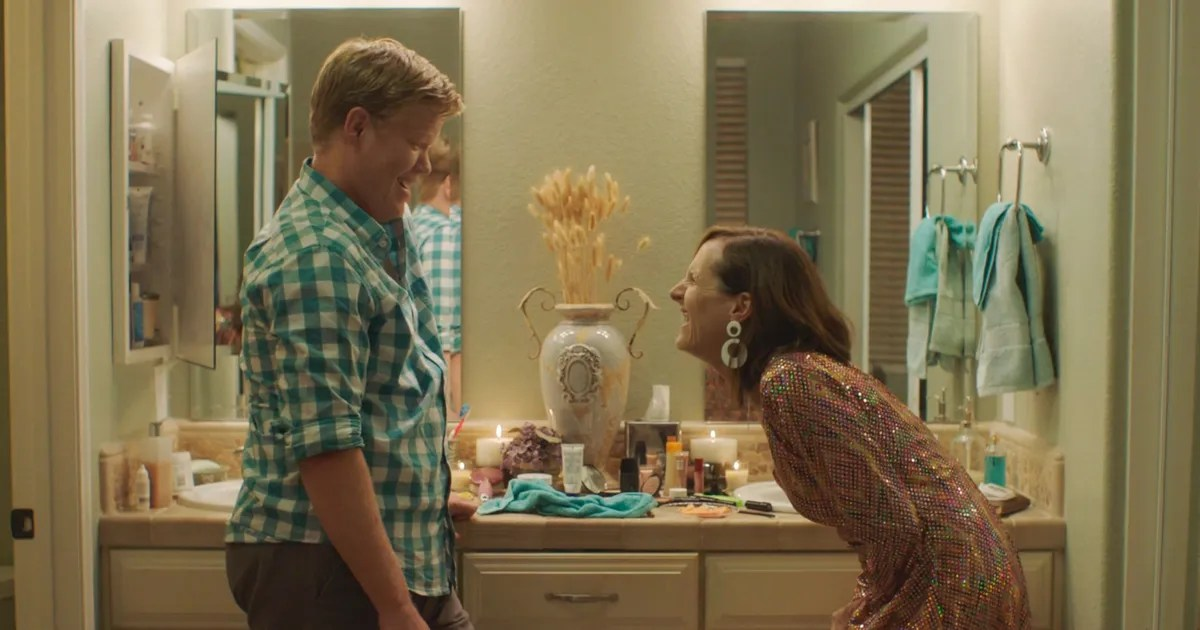 So Sweet Girl Wallpaper Molly Shannon And Jesse Plemons On His Sad Sex Scene Star