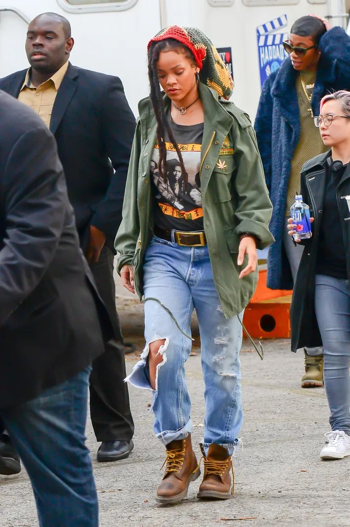 Rihanna and Sarah Paulson Are Filming Oceans Eight Which Just Looks Like a Big Casual Hang at