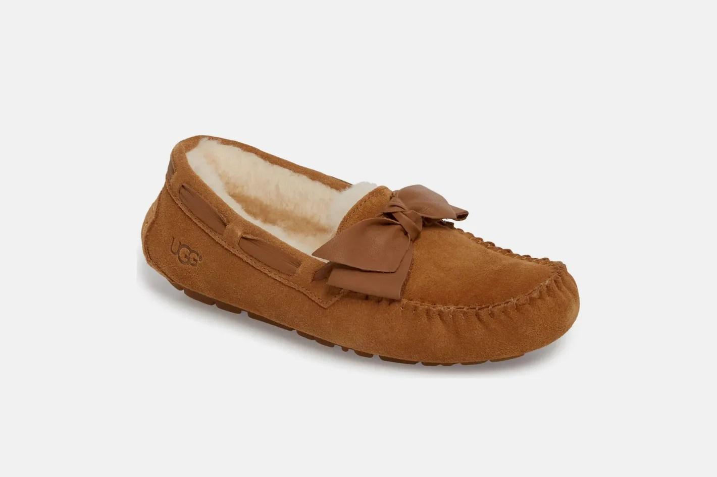 Best Mens Slippers on Amazon Sheepskin Flannel Leather