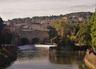 Pulteney Bridge, love the colours in this photo - feels so romantic
