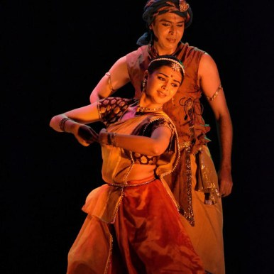 Vaibhav Arekar as Arjun and Sanjukta Wagh as illusory form of Chitra