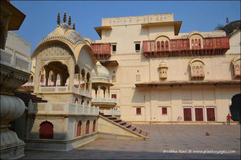 Alwar City Palace, also known as Vinay Vilas Palace, was built by Raja Bakhtawar Singh in 1793