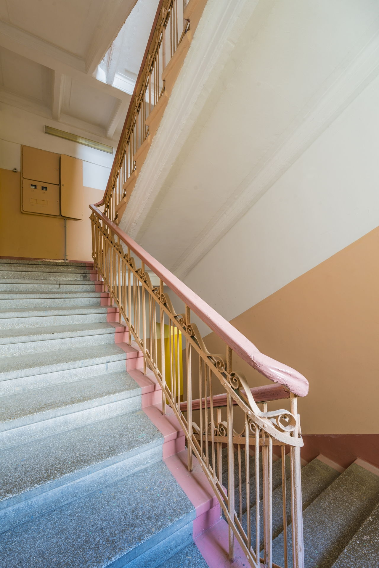 How To Choose The Best Carpet For Stairs | Best Carpet For High Traffic Areas Stairs