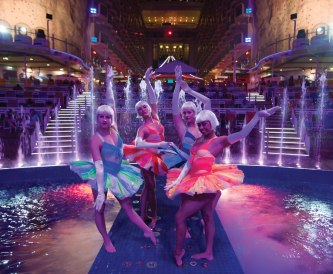 rci_oasis_aquatheater_divingshow