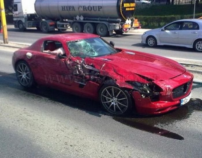 Wrecked Supercars Vehicles