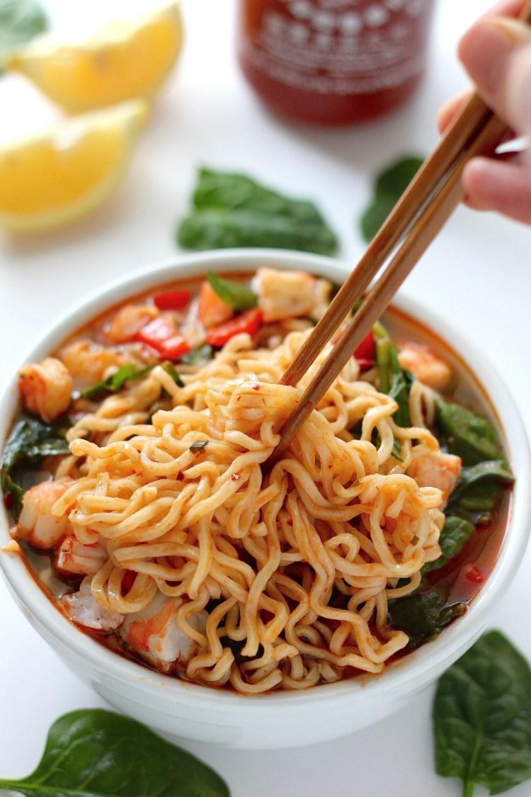 20 minute spicy sriracha ramen noodle