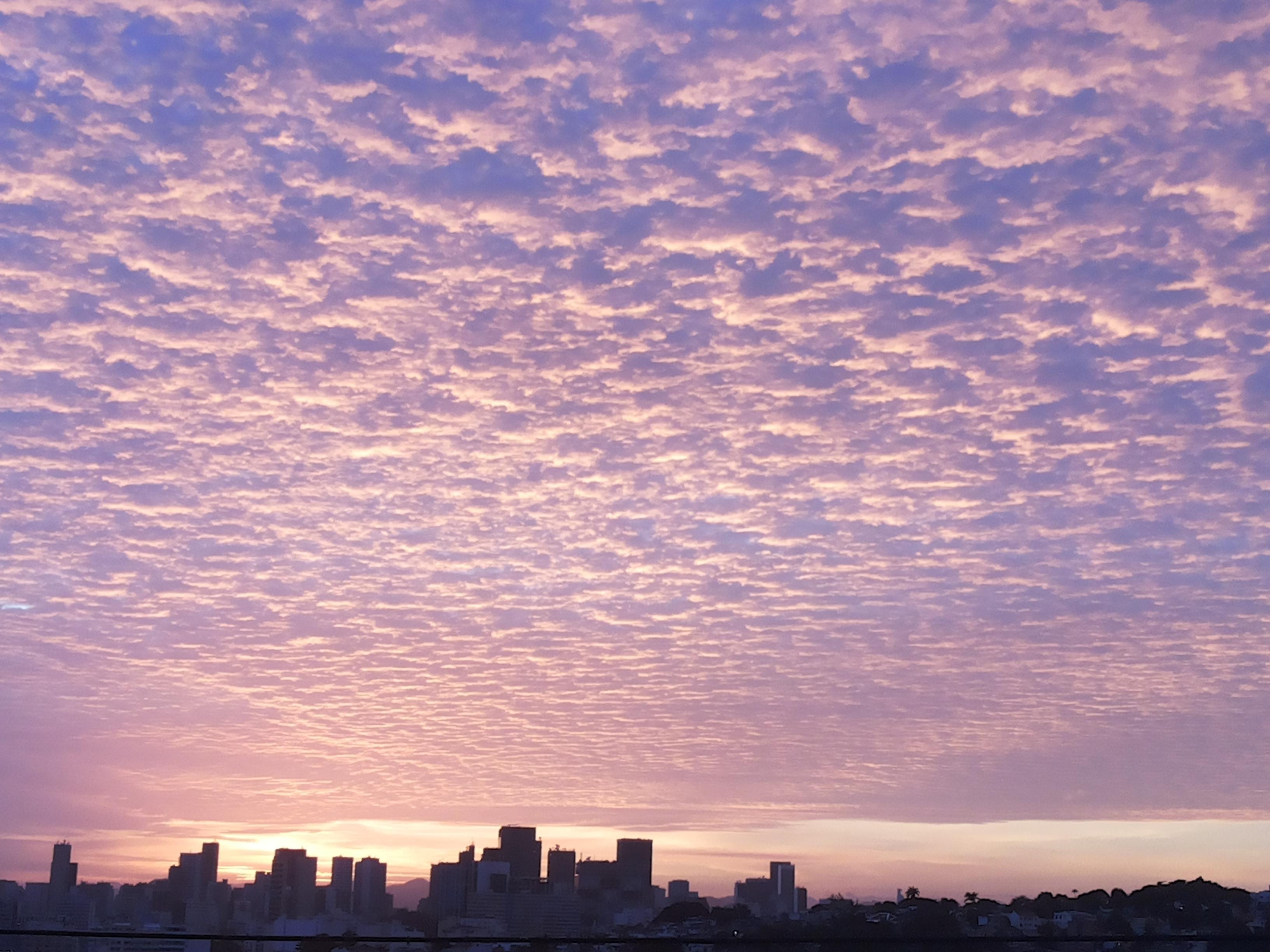 Gambar gratis Janeiro kota dengan awan