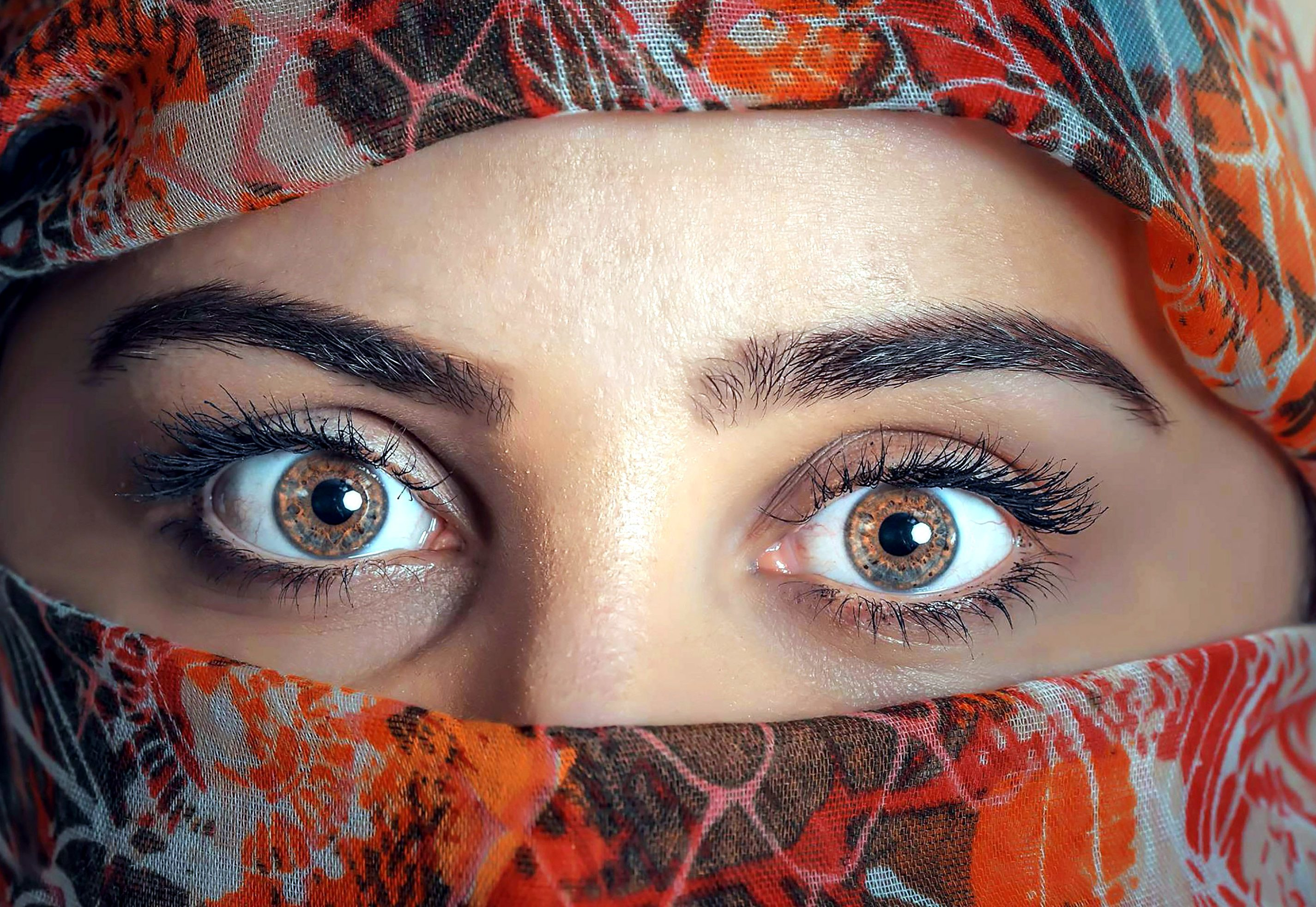 Smiling Face Girl Wallpaper India Free Picture Muslim Woman Pretty Girl Eyes Covered Face