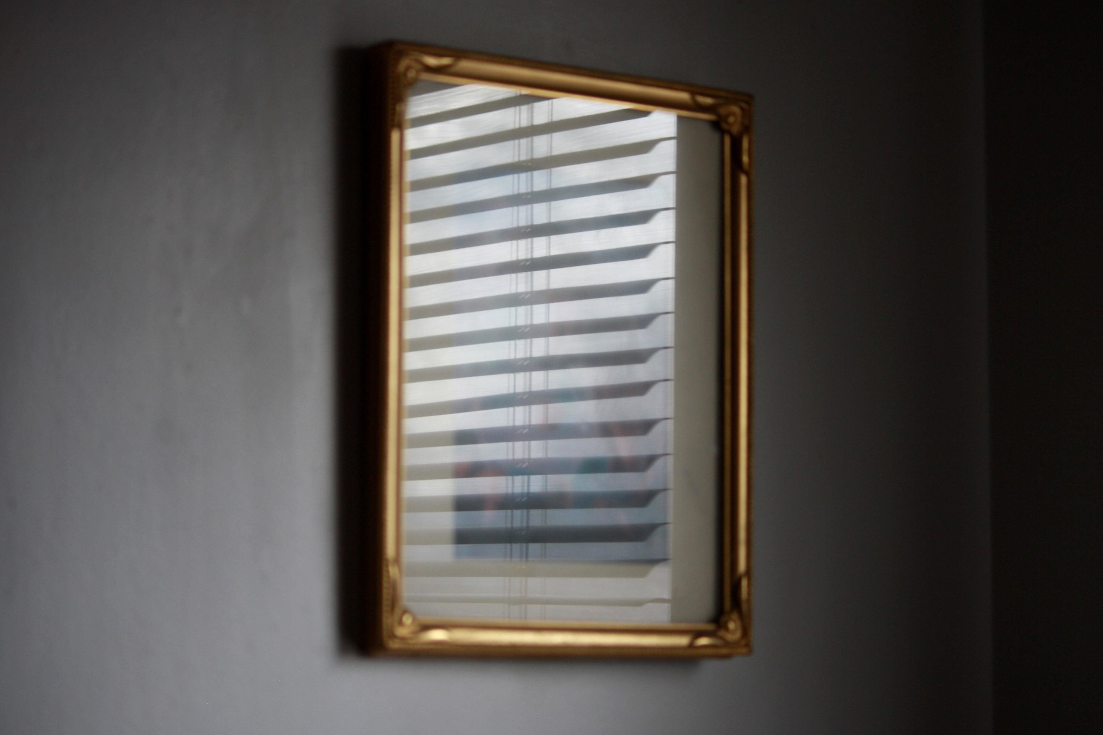 Free picture mirror reflection picture frame glass