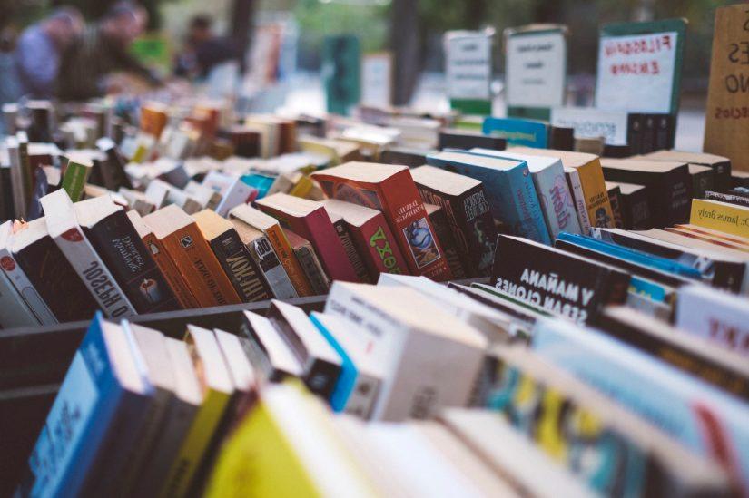 Foto gratis: libreria, collezione, libri, libri di testo