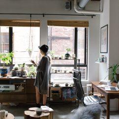 Bookshelf In Living Room Leather Sofa Set For Imagen Gratis: Windows, Mujer, Apartamento, Casa ...