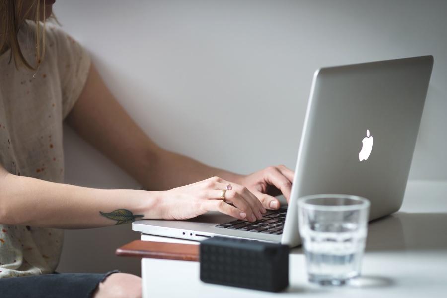 Kostenlose Bild Arbeiten Sie Frau schreiben Business