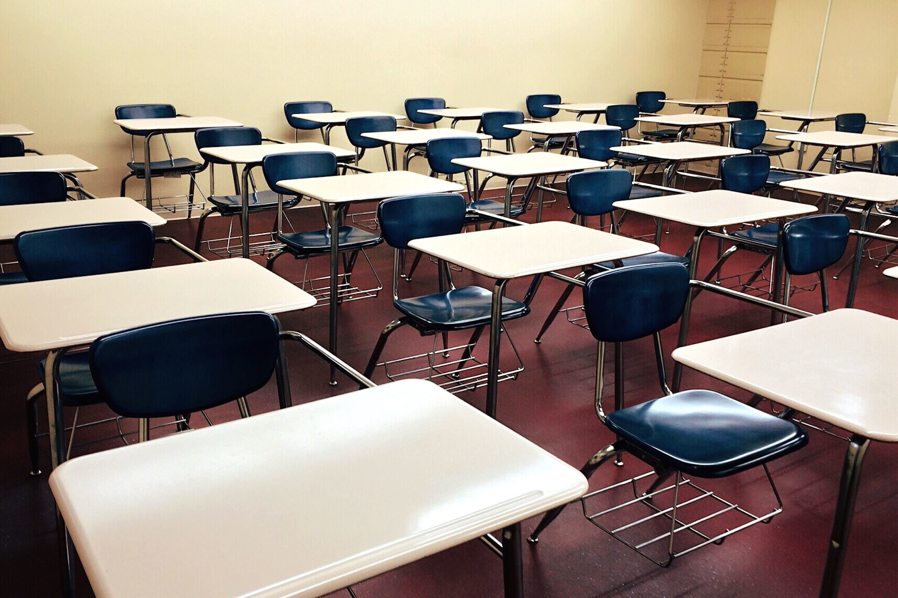 Free picture room rows school seat chairs classroom