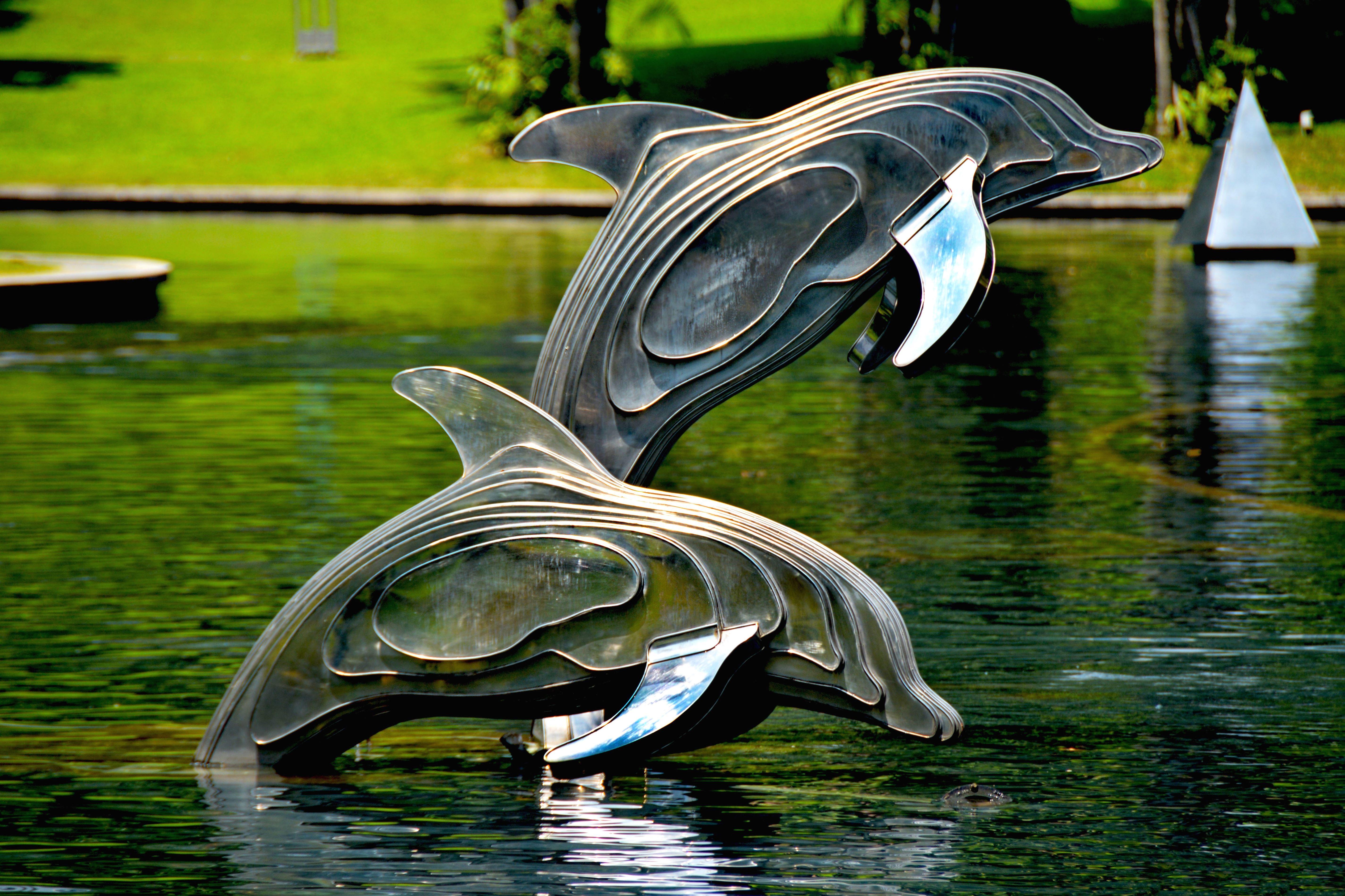 Image libre Animaux sculpture aquatique architecture dauphins poissons jardin