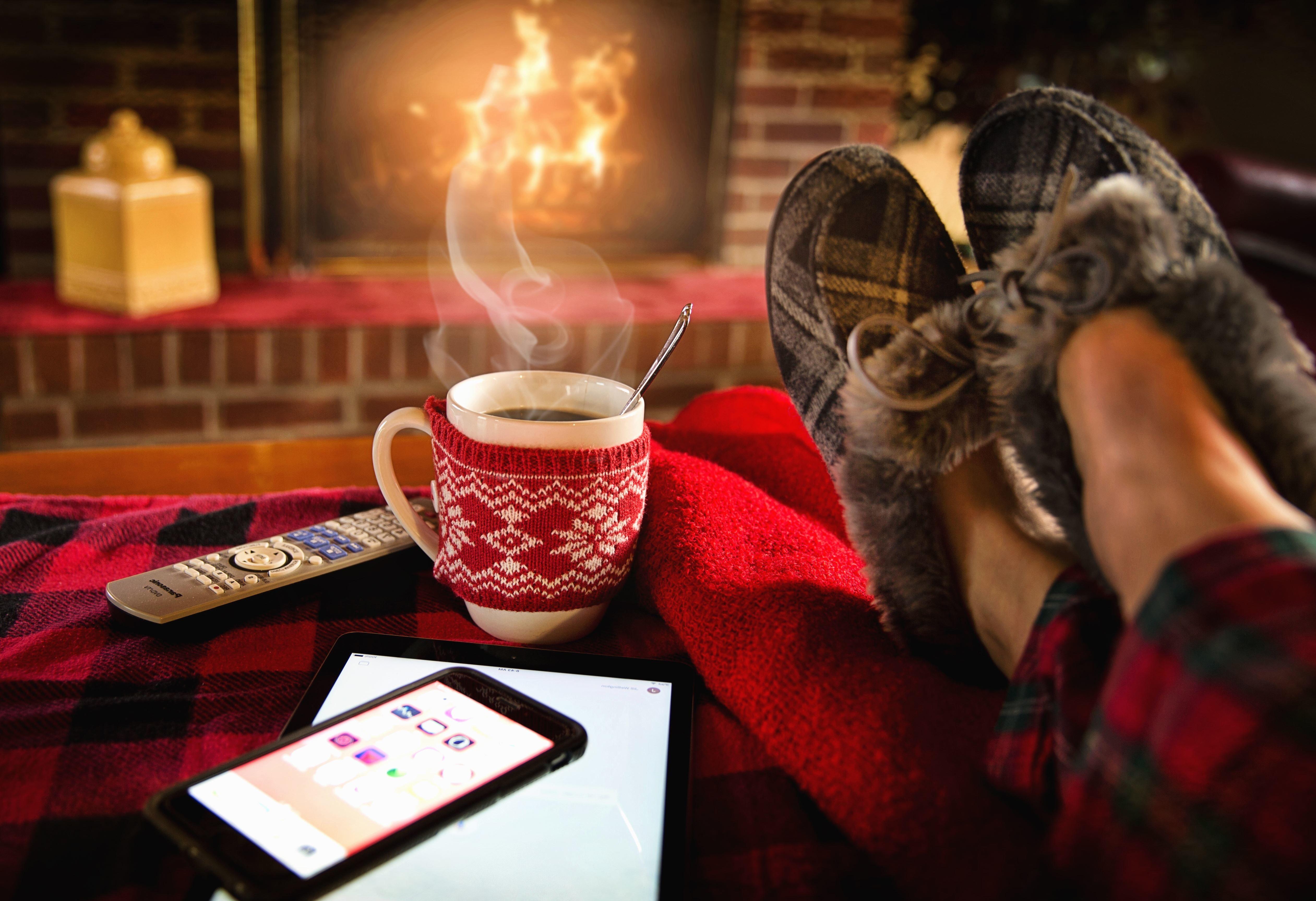 Image libre Smartphone maison chemine flamme