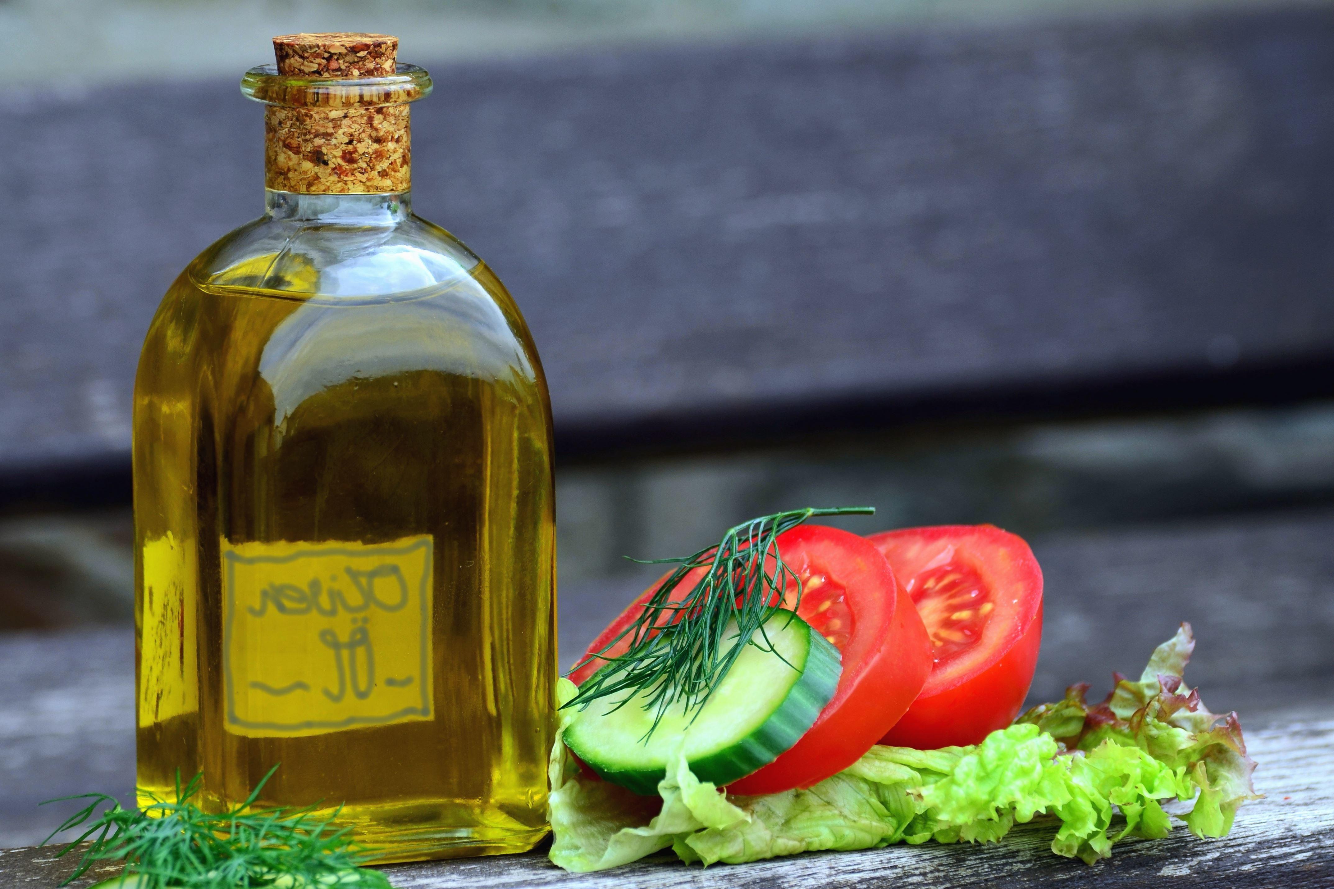 Free picture glass bottles oil tomato vegetable