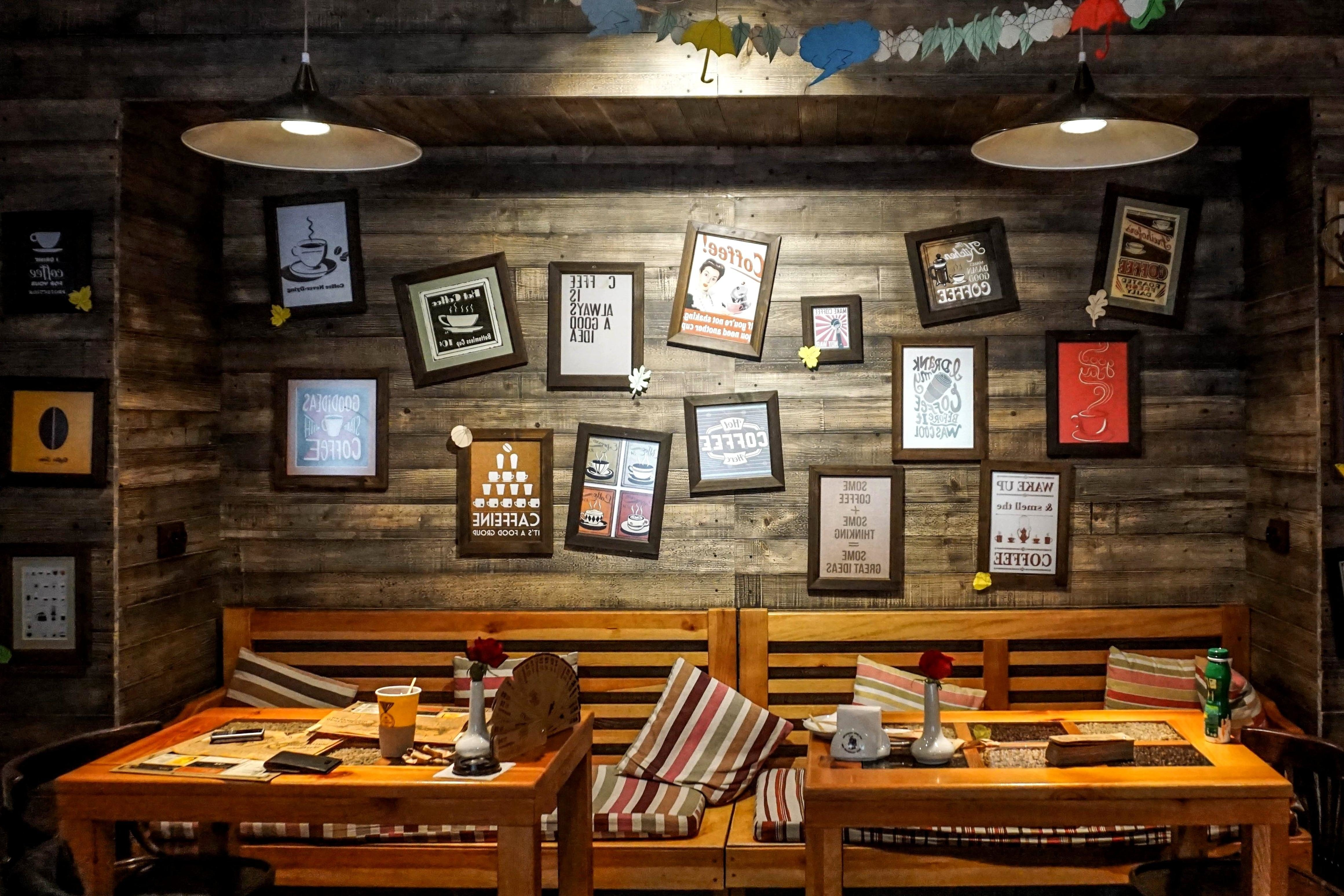 living room table decor kids chairs free picture: picture, wall, decoration, restaurant, interior