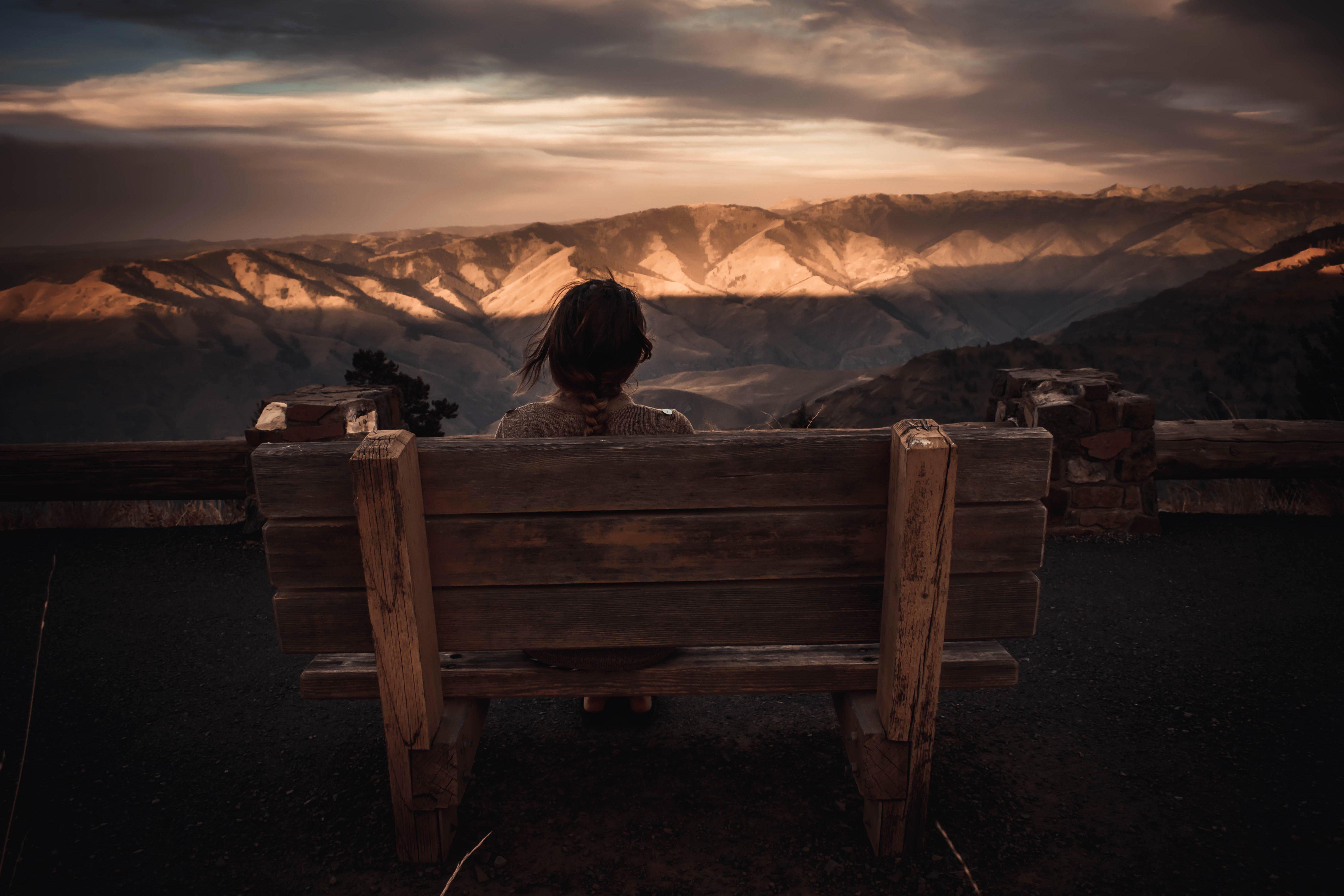 Imagen gratis Puesta del sol mujer banco amanecer