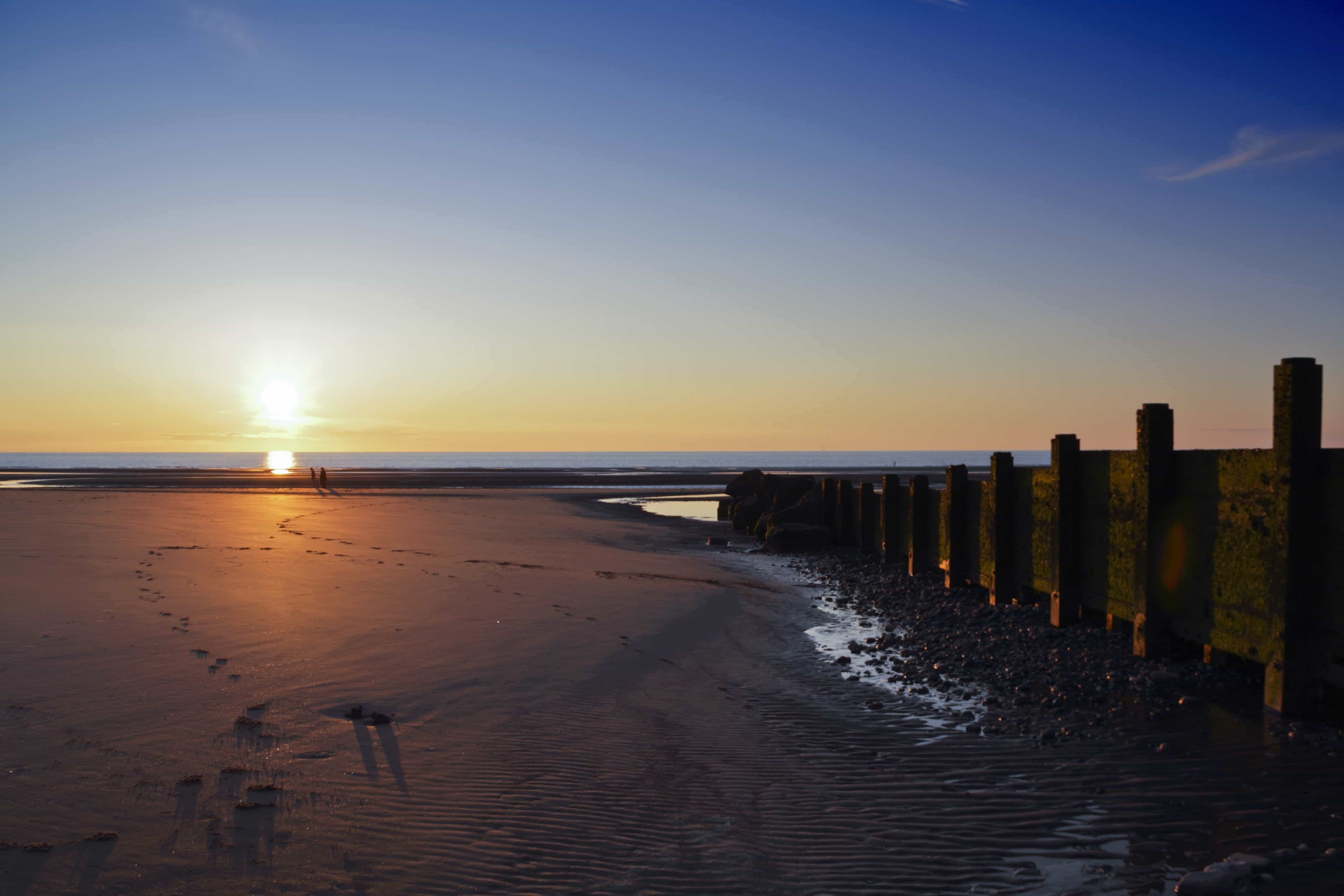 Scenery Wallpaper Hd Free Download Free Picture Sunrise Silhouette Water Beach Sea Dawn