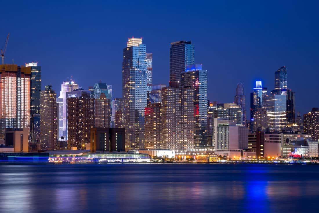 Foto gratis centro edificio di notte metropoli citt