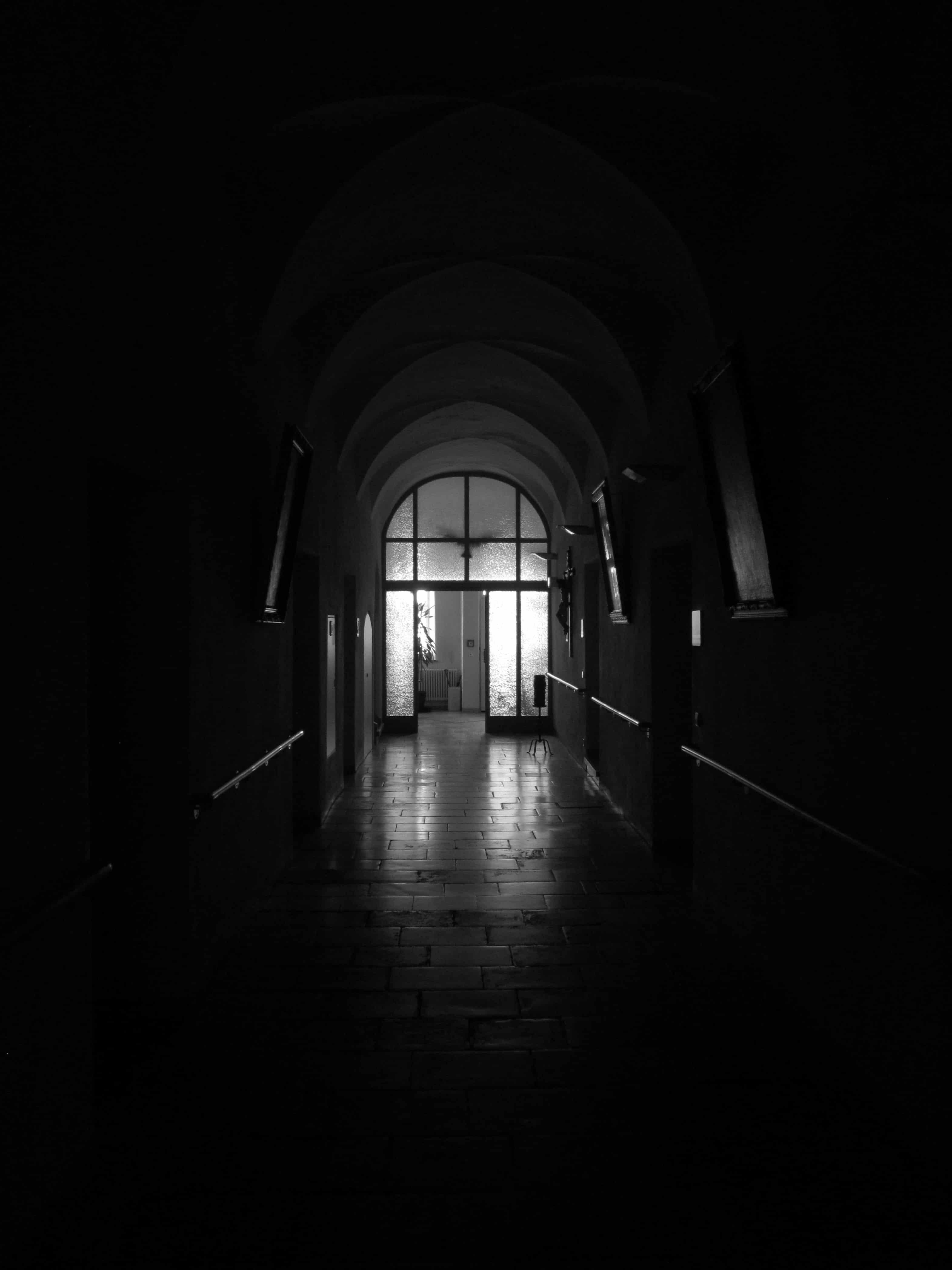 Image libre monochrome architecture tnbres obscurit tunnel toit ombre vieux